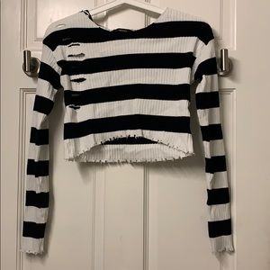 Forever 21 Long Sleeve Crop Top - Black & White